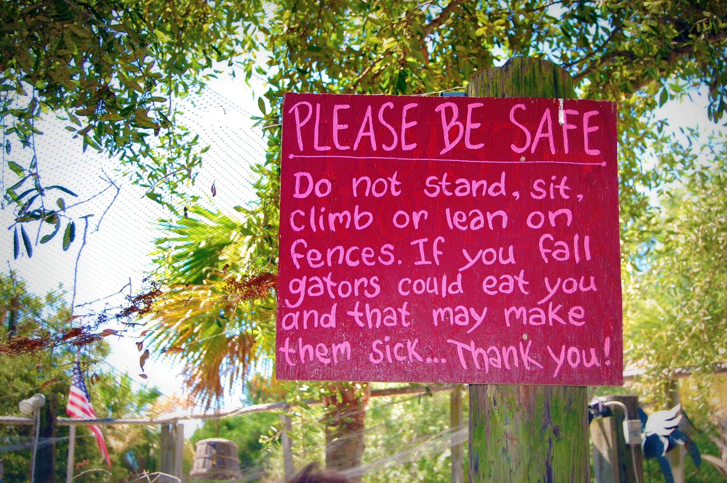 The Crab Shack gator warning